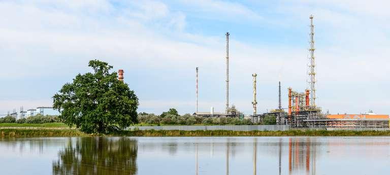 KeyVisual_CaseStudy_MFLWTI_refinery_pump